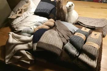 Decken, Socken, Handschuhe und vieles mehr aus unserer Alpaka-Wolle